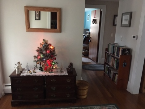 front hall 12-9-18 - 2